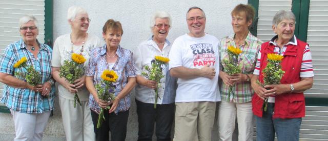 Das Helferinnen-Team vom TSV Cafetreff und der 1. Vorsitzende